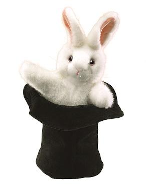 Groot konijn in hoed